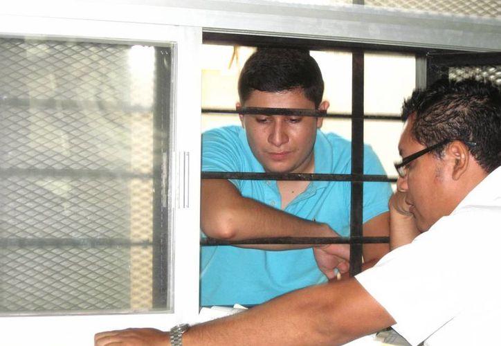 Luis Javier Velázquez Presuel fue acusado al encontrarse sus huellas en una botella que dejó en la recámara de la senadora. (Archivo/SIPSE)