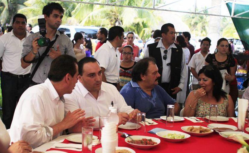 El gobernador del estado, Roberto Borge Angulo, asistió al convite del diputado con licencia. (Jorge Carrillo/SIPSE)