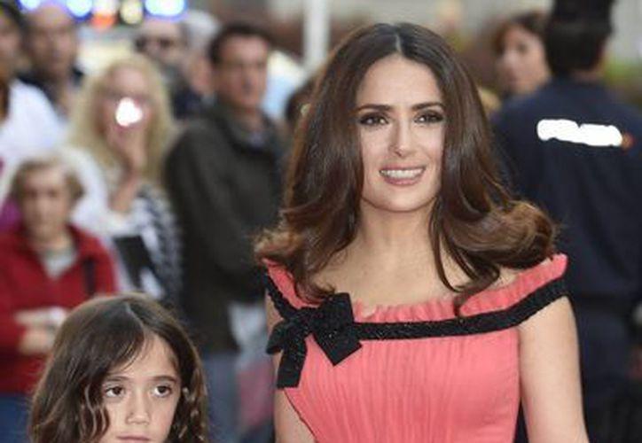 Niño insulta a la hija de Salma Hayek