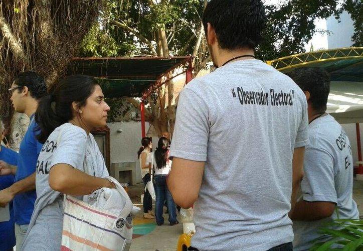 Los observadores electorales ya se encuentran en el Distrito IX. (Licety Díaz/SIPSE)