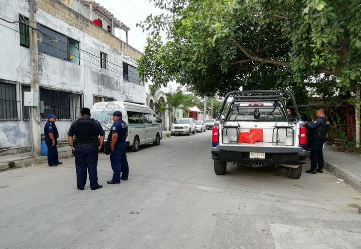 Los policías lograron detener al presunto agresor de la jovencita en Playa del Carmen. (Redacción)