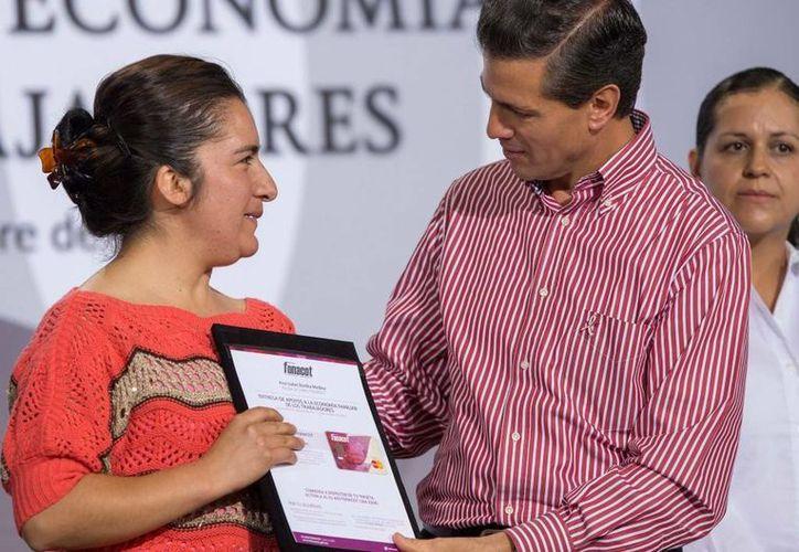 Peña Nieto aseguró que la generación de empleos avanza a buen ritmo en el país. (Presidencia)