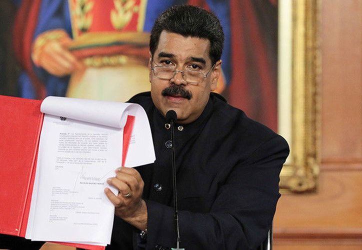 El presidente de Venezuela, Nicolás Maduro, presentó las bases para la elección de la Asamblea Nacional Constituyente.  (RT)