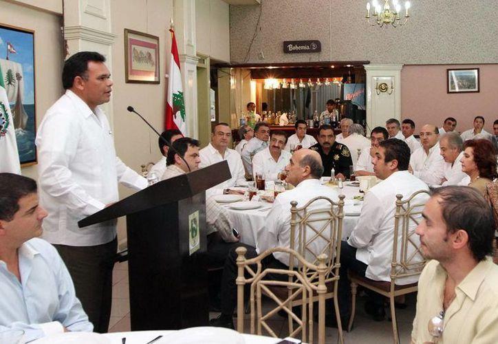 El Gobernador dirigió un mensaje a integrantes de la comunidad libanesa, durante una comida. (Milenio Novedades)