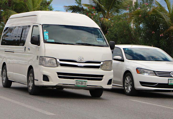 La nueva medida afecta a transportistas federales. (Paola Chiomante/SIPSE)