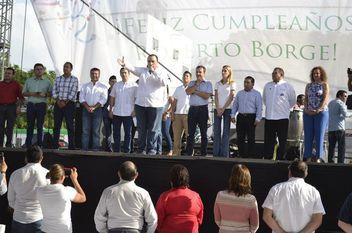 Roberto Borge festeja su cumpleaños en Cancún