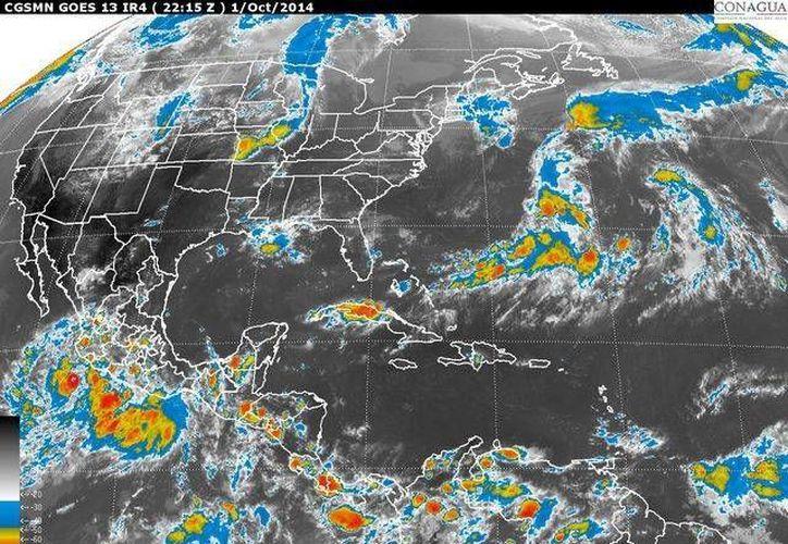 La depresión 19-E ocasionará lluvias torrenciales en áreas de los estados de Jalisco, Colima, Michoacán y Guerrero; intensas en Oaxaca y Chiapas. (Imagen de satélite de la Conagua)