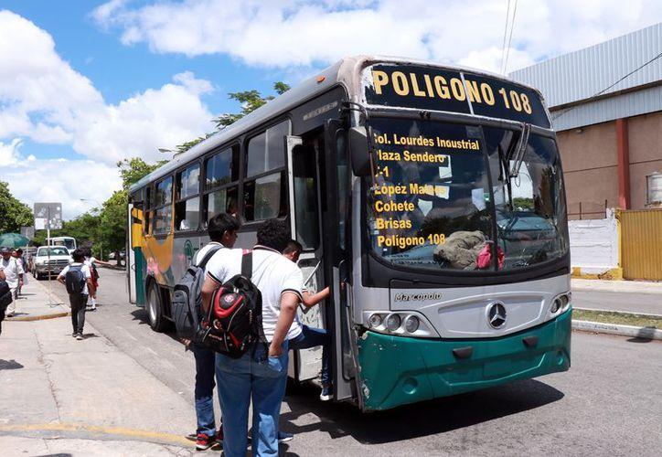 Actualmente, el servicio de transporte presenta severos problemas. (Foto: Milenio Novedades)