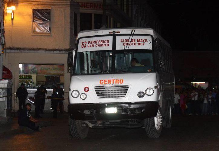 De nuevo un camión de pasaje se involucró en un mortal percance en el centro de Mérida. (Milenio Novedades)