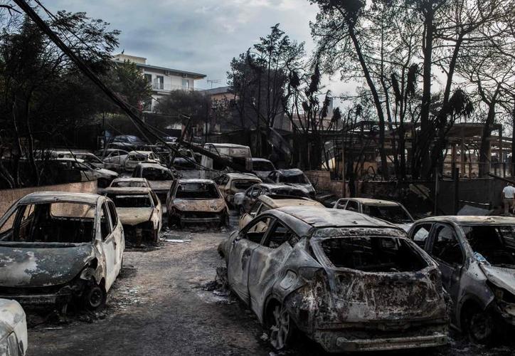 Incendios en Grecia arrasaron el lunes los alrededores de Atenas dejaron 80 muertos' y 'más de dos centenares de heridos'. (Foto: Twitter)