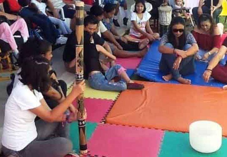 Un grupo de artistas se unen para apoyar a niños con alguna discapacidad. (Octavio Martínez/SIPSE)