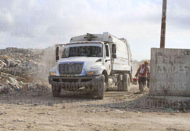 Mencionan que el basurero ya cumplió su vida útil. (Ángel Castilla/SIPSE)