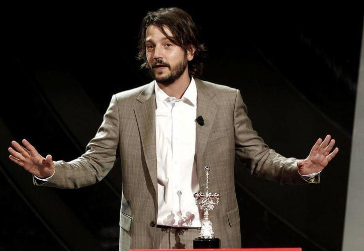 Diego Luna reconoció estar relajado en San Sebastián, pues no llevó ninguna película a concurso. (Notimex)