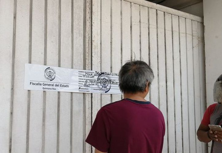 La Fiscalía colocó los sellos de aseguramiento de las instalaciones sindicales. (Sara Cauich/SIPSE)