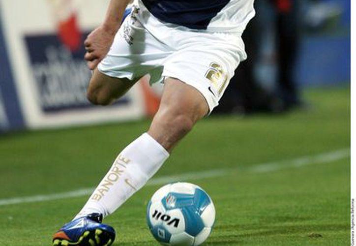 Héctor Herrera jugaría por cinco temporadas en el club portugués. (Foto: Agencia Reforma)