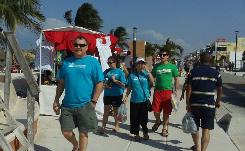 Los turistas nacionales se combinaron con los cruceristas. (Manuel Pool/SIPSE)