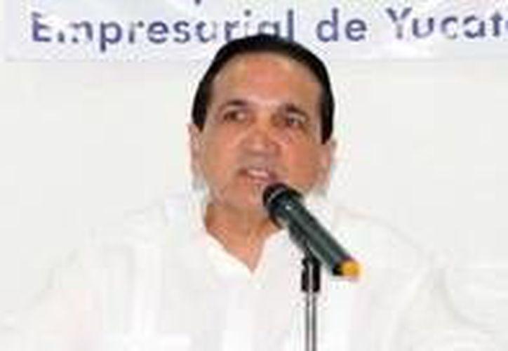 José Manuel López Campos dio a conocer en rueda de prensa que hay 82 periodistas registrados para el curso. (Milenio Novedades)