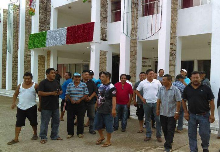 Los afectados buscan apoyo por parte del Ayuntamiento carrilloportense. (Jesús Caamal/SIPSE)