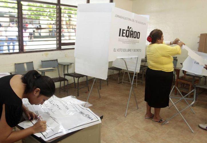 Participaron un promedio de 200 personas en toda la jornada electoral. (Christian Ayala/SIPSE)