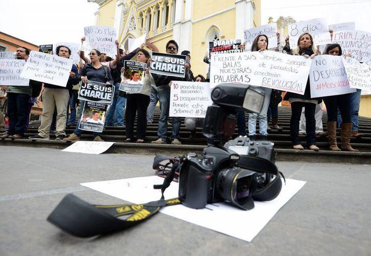 Representantes de medios de comunicación protestaron el pasado 9 de enero, ene Xalapa, Veracruz, para exigir respuestas por la desaparición del periodista Moisés Sánchez Cerezo. (EFE/Archivo)