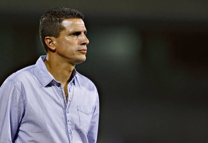 Ricardo Valiño era hasta hace poco entrenador del CF Mérida. Ahora es técnico de Lobos BUAP, pero chocará contra el CF Mérida. (SIPSE/Foto de archivo)