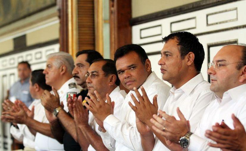 Rolando Zapata Bello indica que la construcción del tren será beneficiosa económicamente para Yucatán. (Milenio Novedades)