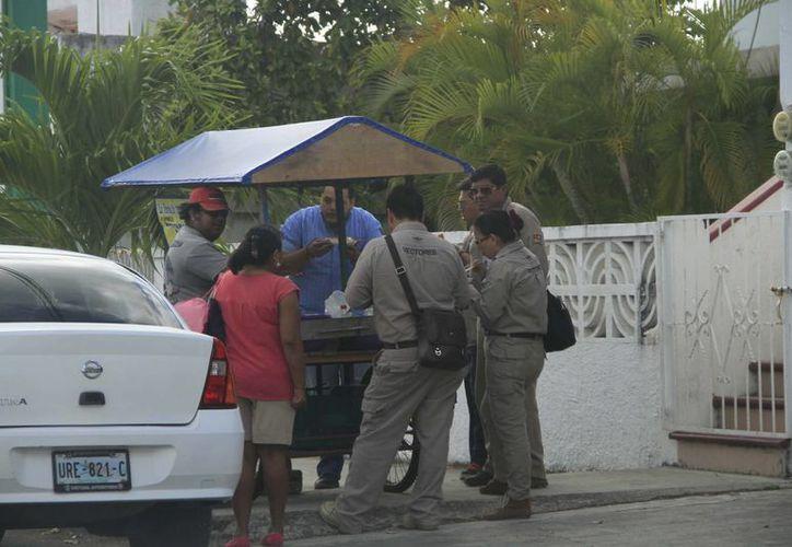 Los establecimientos ambulantes o semifijos verificados en Chetumal presentan anomalías mínimas. (Harold Alcocer/SIPSE)