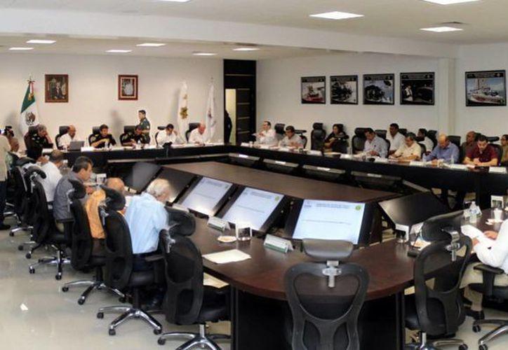 Imagen de la reunión del Consejo Consultivo de Tránsito y Vialidad, que fue presidida por el secretario de Seguridad Pública, comandante Luis Felipe Saidén Ojeda. (Milenio Novedades)