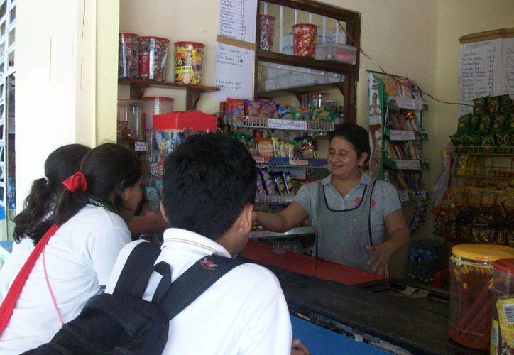 En el municipio de Benito Juárez existen 133 tiendas escolares. (Archivo/SIPSE)