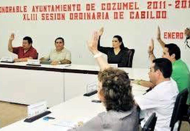 En el 2012 el ayuntamiento de Cozumel devolvió 23 mil pesos. (Julián Miranda/SIPSE)