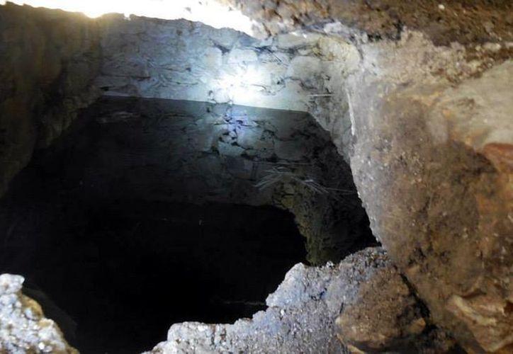 El cenote encontrado en el mercado de Lucas de Gálvez al parecer servía como pozo a un convento. (Milenio Novedades)