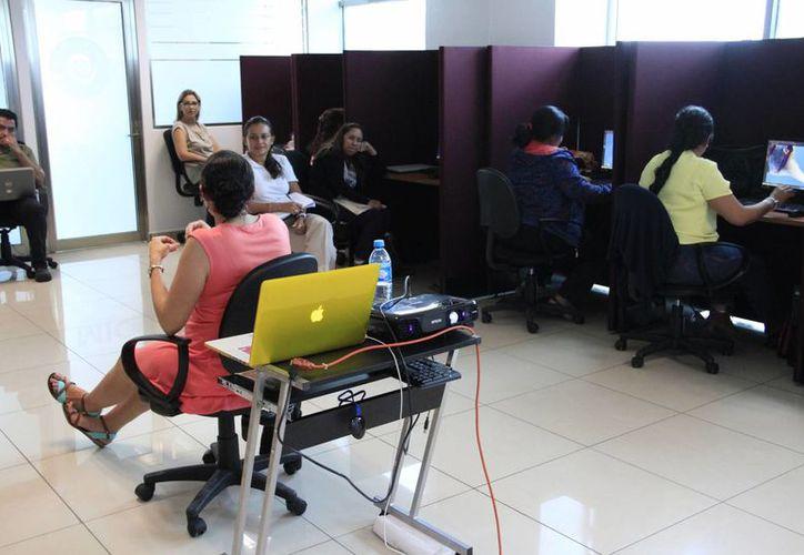 Para el taller utilizan las instalaciones del Microsoft Innovation Center. (Israel Leal/SIPSE)