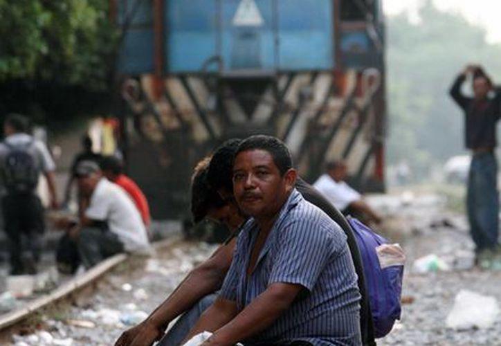 'La Bestia' cruza por 22 municipios del estado de Veracruz. En ese estado transita un siete por ciento de los migrantes que intentan llegar a EU. (Archivo/Notimex)