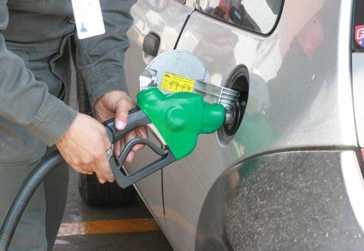 Las bombas de gasolina serán verificas por brigadas especiales de la Profeco. (Notimex/Archivo)