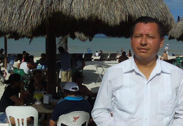 Samuel Buendía, gerente del restaurante donde se llevará a cabo el Festival Gastronómico del Pulpo. (Manuel Pool/SIPSE)