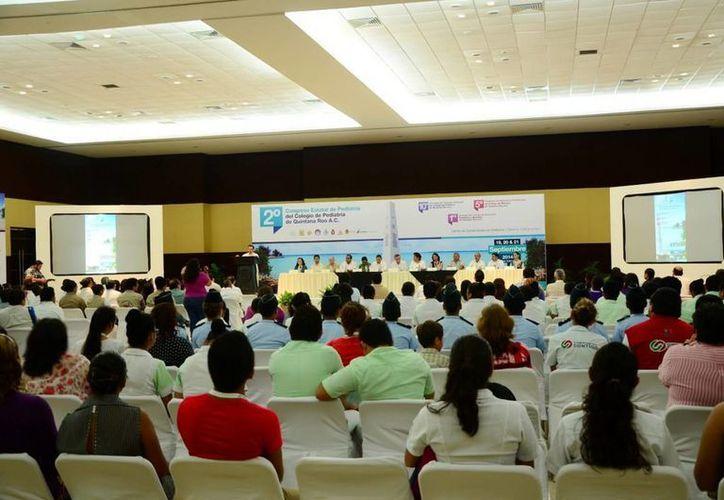 El secretario Estatal de Salud, Juan Ortegón Pacheco al inaugurar el Segundo Congreso Estatal de Pediatría. (Redacción/SIPSE)