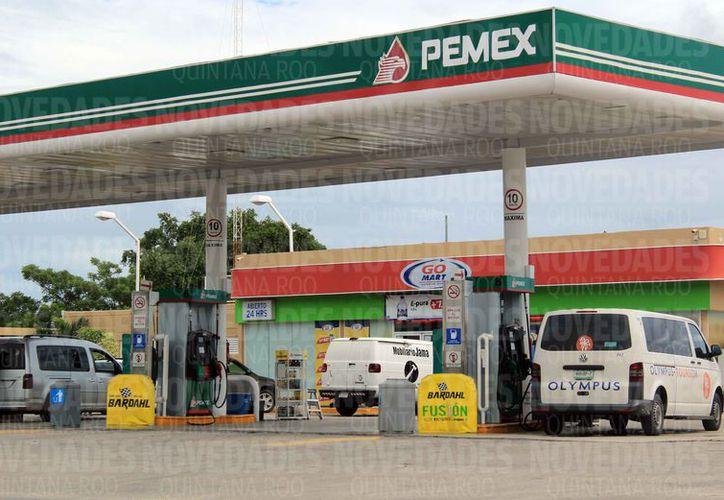 La estación de gasolina se ubica sobre la avenida Colosio. (Luis Soto/SIPSE)