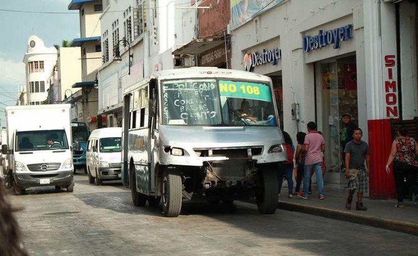 'La tarifa emergente que pedimos es para seguir circulando, pagar las deudas, darle mantenimiento a las unidades': transportistas en Yucatán. (Archivo/ SIPSE)
