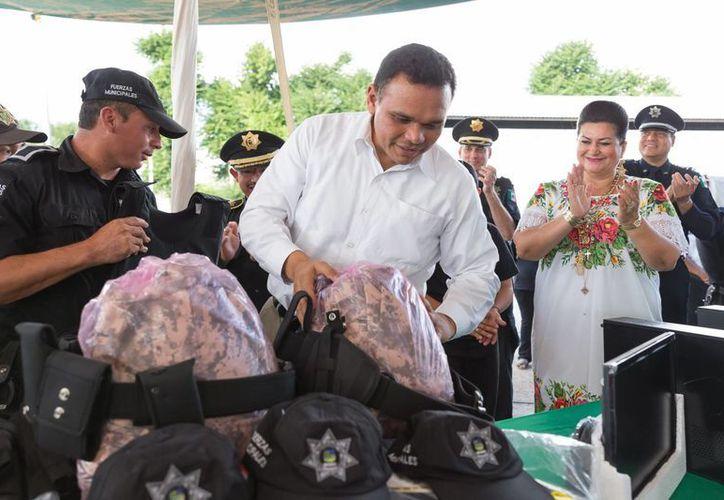 """El gobernador Rolando Zapata estará este jueves en la Escuela Secundaria Estatal número 5 """"Doctor Eduardo Urzaiz Rodríguez"""". (SIPSE)"""