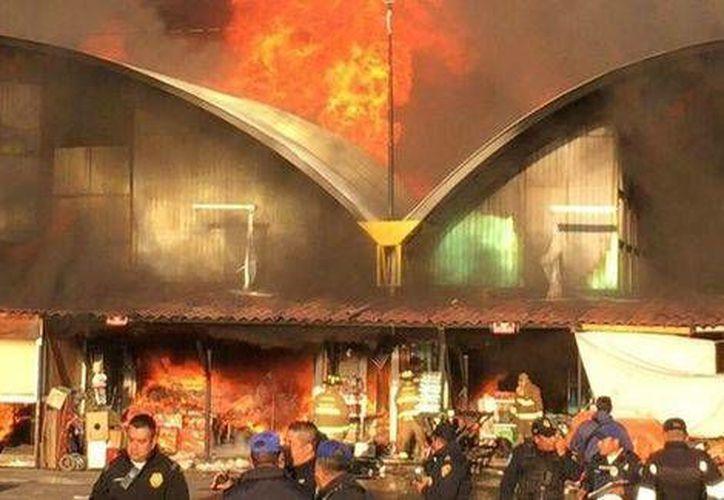 Las autoridades no reportaron personas lesionadas por el incendio registrado el martes 7 de abril pasado. (Milenio)