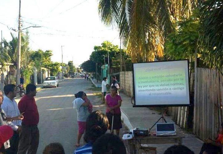 La Subdirección de Participación Ciudadana y Prevención del Delito visita las diferentes colonias de la capital. (Cortesía/SIPSE)