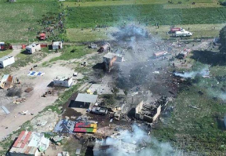 Las explosiones dejaron millones de pesos en daños en La Saucera, en Tultepec. (excelsior.com)
