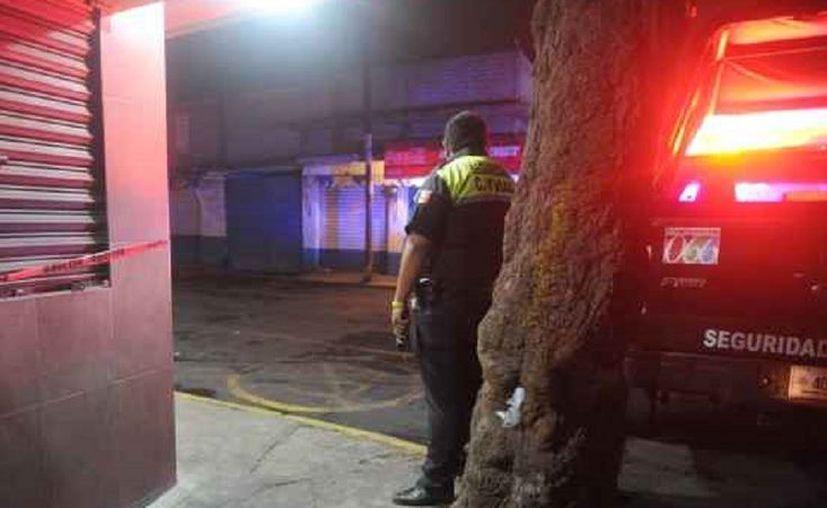 De acuerdo a versiones extraoficiales, varias personas resultaron intoxicadas en la fiesta. (López Dóriga)