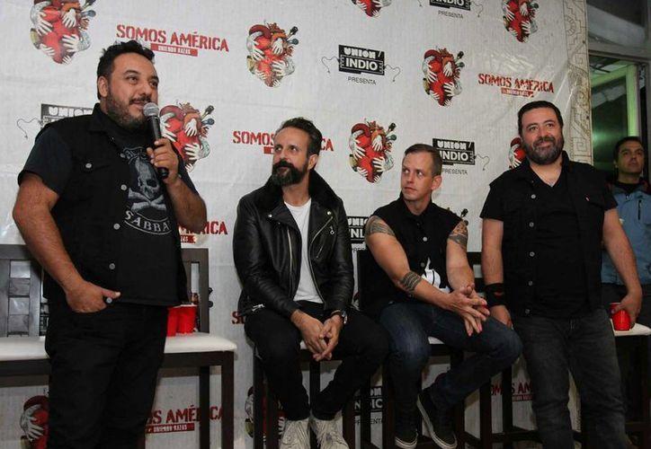 Imagen del grupo Molotov durante su promoción del concierto Somos América. Promueven su nuevo disco 'Agua maldita'. (Notimex)