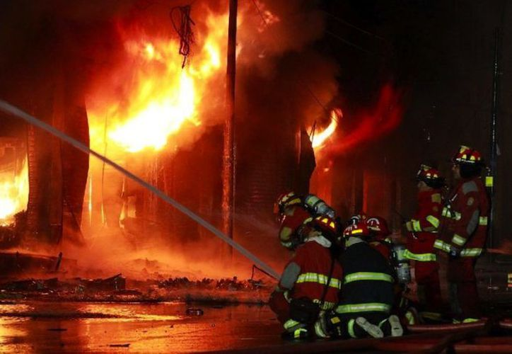 Las explosiones accidentales son comunes en las fábricas de fuegos artificiales indias. (Foto Ilustrativa)