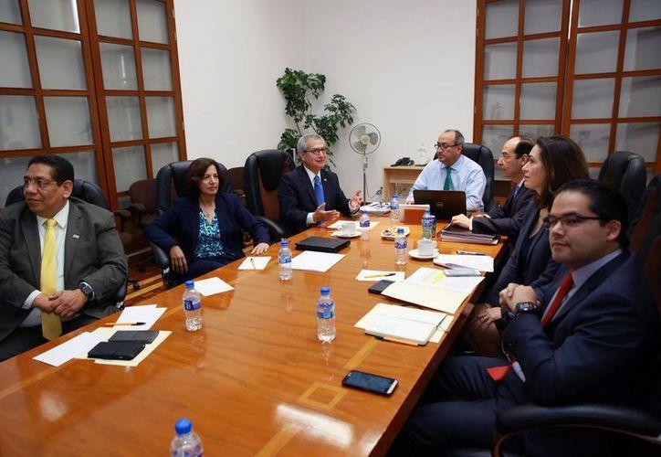 Este martes se reanudó el diálogo entre dirigentes del Sindicato Nacional de Trabajadores de la Educación y funcionarios de la Secretaría de Educación Pública. (Notimex)