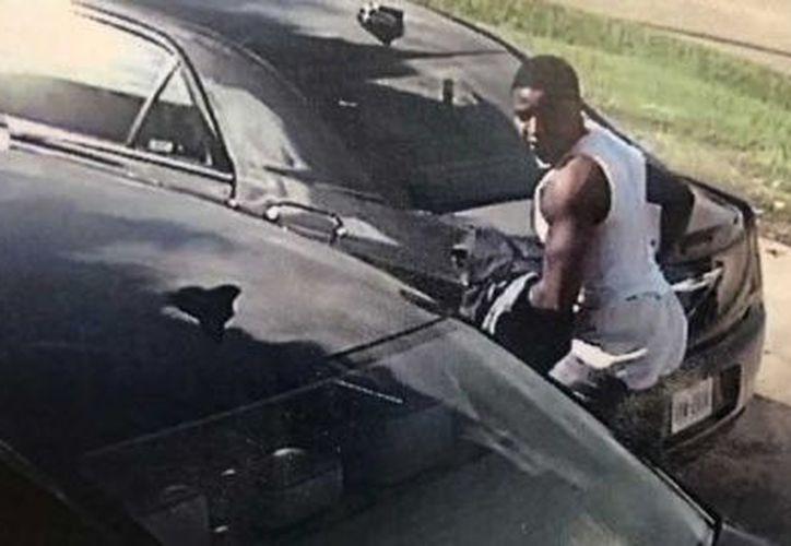 La policía logró recuperar el dinero hurtado. (Foto: Captura del video)