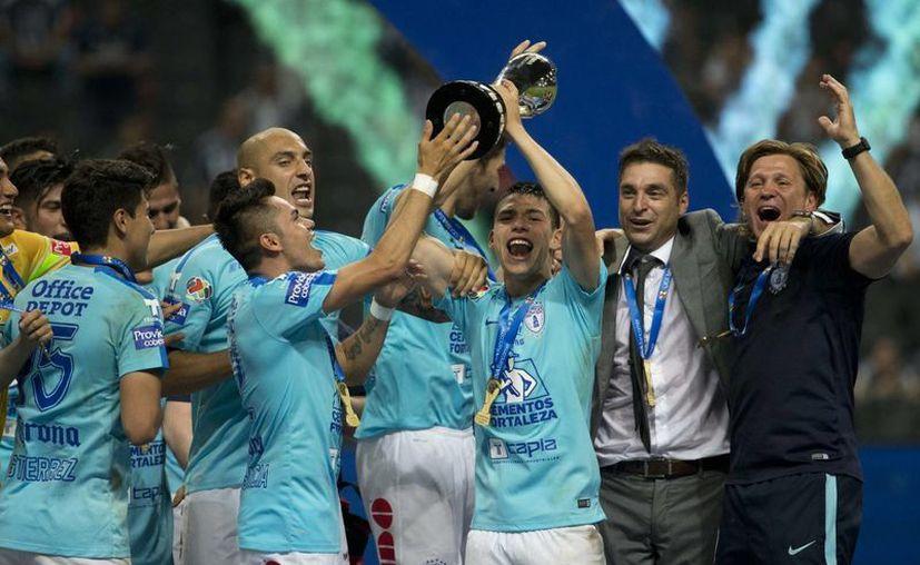 De la forma más inesperada, el Pachuca es campeón del futbol mexicano. (AP)