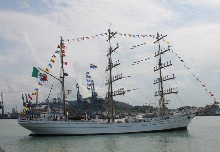 El buque escuela velero Cuauhtémoc cuenta con 250 tripulantes. (Archivo Notimex)
