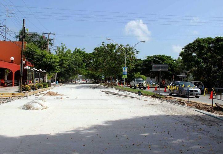 Imagen de los trabajos de repavimentación que se realizan en Prolongación Montejo. El Alcalde aseguró que en los próximos días se terminarán las obras. (Milenio Novedades)